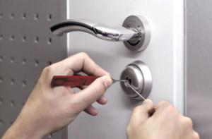 remontiruem-dvernoj-zamok-samye-chastye-polomk